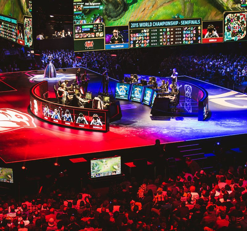League of Legends and eSport : A Great Story